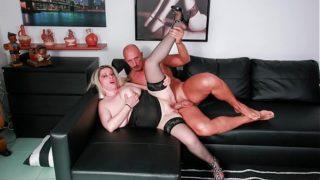 Coppia amatoriale primo filmato porno